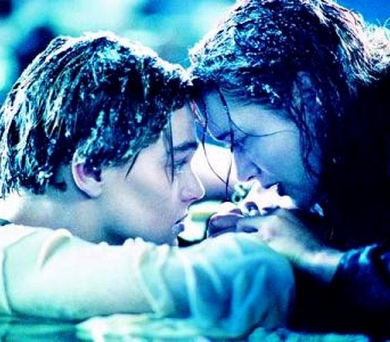 A film munkacíme eleinte Planet Ice, azaz Jégbolygó volt.