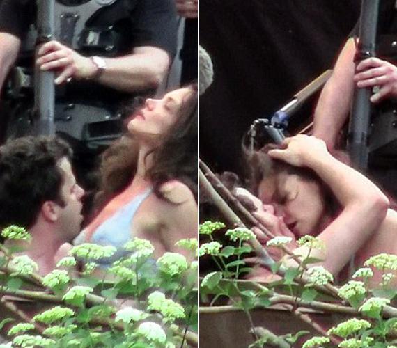 Katie Holmes, megszabadulva férjurától, önfeledten vetette bele magát az utcai szeretkezésbe is - filmje kedvéért. Bár állítólag Tom Cruise agya felforrt a képek láttán, barátainak el is mondta, hogy vele sohasem volt ilyen heves a színésznő.
