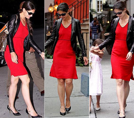 Ez a piros ruha a vagány bőrdzsekivel szintén remekül állt neki.