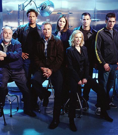 Helyszínelők (2000-)  Az ezredforduló változást hozott a nyomozós sorozatok terén: előtérbe került a bűnügyek felderítéséhez szükséges labormunka és a bizonyítékok feldolgozása. A színfalak mögött rejlő események megvillantása olyan sikert hozott, hogy azóta elkészült a Miami és a New York-i változat is az eredeti, Las Vegasban játszódó Helyszínelők után.
