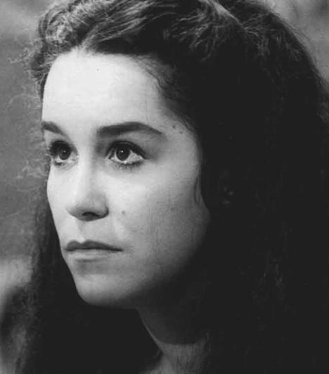 Rabszolgasors (1976)  Isaura, a rabszolgalány gyötrelmeit bemutató telenovella volt az első népszerű brazil sorozat a magyar televízióban. Bár kis fáziskéséssel, a nyolcvanas években érkezett el hazánkba, annál nagyobbat ütött. Egyes megszállott rajongók még pénzt is gyűjtöttek a Lucelia Santos által megformált Isaura felszabadítására!