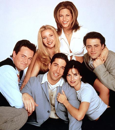 Jóbarátok (1994-2004)  Rachel, Phoebe, Monica, Ross, Chandler, Joey - hat New York-i fiatal egy házban. Ki hitte volna, hogy ebből egy 236 részből álló kacagtató sorozatot lehet létrehozni? Persze ehhez kellettek a megfelelő karakterek, valamint az a fáradhatatlan és kreatív stáb.  Kapcsolódó cikk: Kiábrándító fotók! Csúnyán megöregedett a Jóbarátok sztárja »