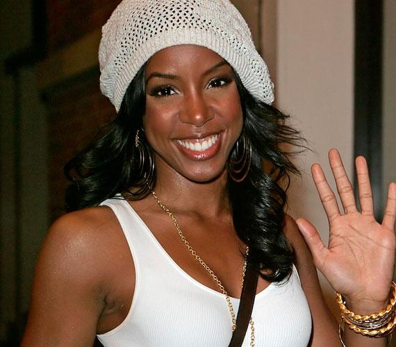 A Destiny's Child 2006-os feloszlását követően kezdett szólókarrierbe Kelly Rowland, a hírek szerint azonban újra összeáll a nagy csapat.