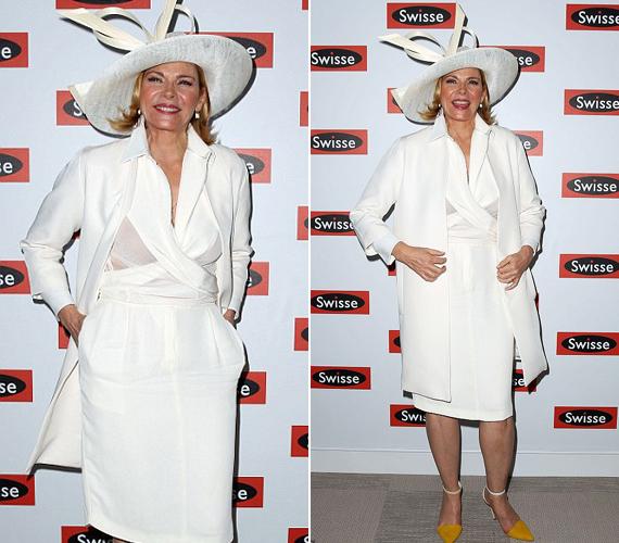 A krémszínű ruha nem kifejezetten állt jól a színésznőnek, nagymamás benyomást keltett.