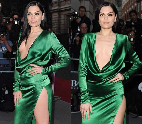 Jessie J zöld selyemruhája szabadon hagyta a combját is.