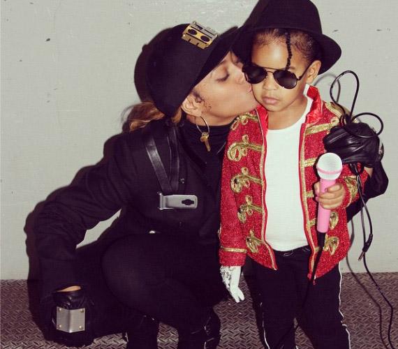 Beyoncé és kislánya, Blue Ivy is 1,6 millió lájkot gyűjtött be a halloweeni jelmezével.