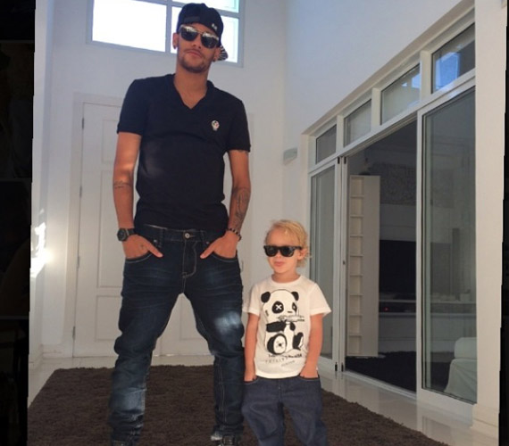 A Twitteren a futball-világbajnokságról beszéltek a legtöbben, nem meglepő hát, hogy az Instagramot is uralta.Neymar Jr. képét 1,6 millióan zárták a szívükbe.