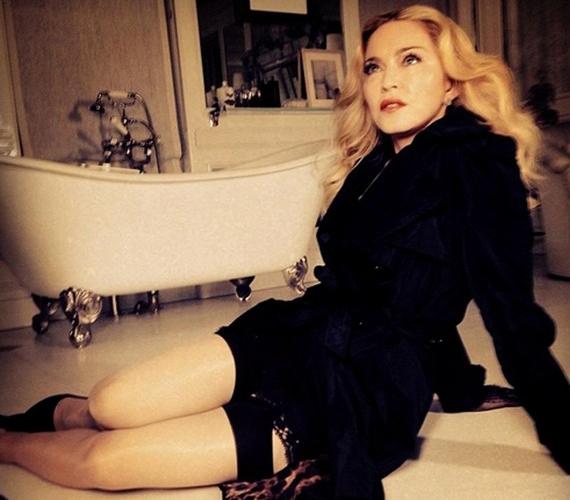 Madonna is igyekszik mindig szexinek mutatkozni, bár néha kiveri a biztosítékot, mint ahogy legutóbbi nyilvános megjelenésekor is tette.