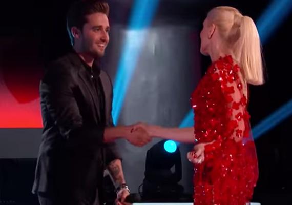 Gwen végül kihúzta a csávából, és bizalmat szavazott az énekesnek, akit az amerikai közönség is nagyon megkedvelt.