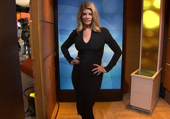 A Tonight Show-ban is megvillantotta vékony alakját, amit ezzel a fekete ruhával csak még jobban sikerült kihangsúlyozni.