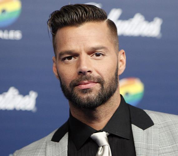 A kilencvenes évek egyik legnépszerűbb énekese, Ricky Martin szintén szenteste fog szülinapozni, ő 44 éves lesz.