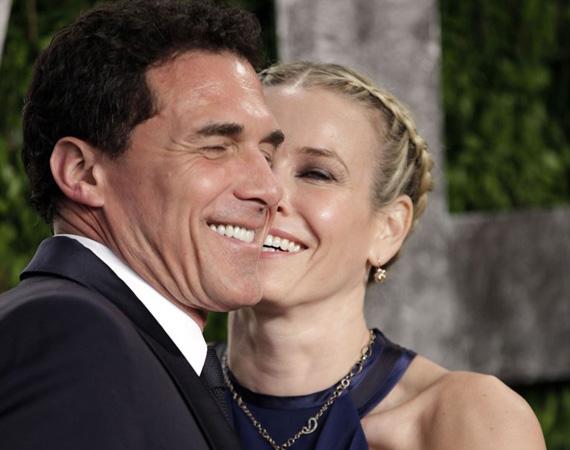 2011 januárjában már Chelsea Handler karjaiban vigasztalódott a gazdag hoteltulajdonos, a tévés műsorvezető hamar beleszeretett a férfiba, a Sundance Fesztiválon csókolózva fotózták le őket. Többször szakítottak, majd kibékültek, végül 2013 októberében mondták ki véglegesen a nemet.