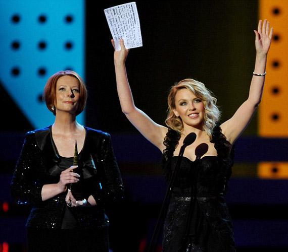 Kylie ragyogott, amikor átvette díját az ARIA Awards-on.