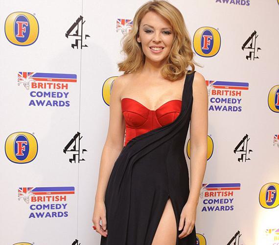 Kylie Minogue 43 évesen egyértelműen a díjkiosztó gála szépe volt.