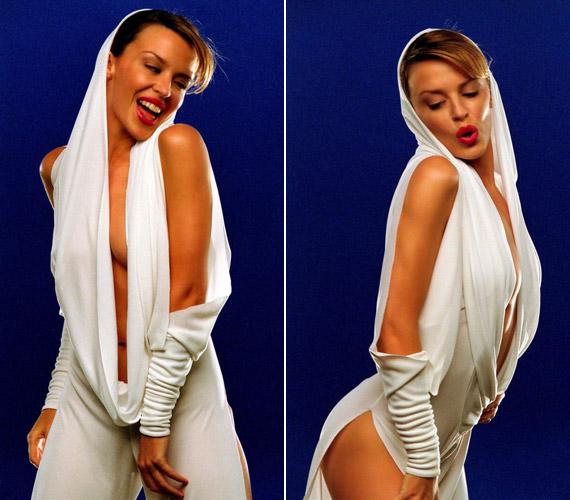 A 2001-es Can't Get You out of My Head című dalához készült klip is emlékezetesre sikerült túl szexis ruhája miatt.