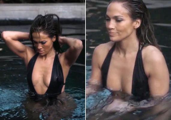Jennifer Lopez egy fotózás során bújt ebbe a merész, fekete fürdőruhába, aminek dekoltázsa szinte a köldökéig ért.