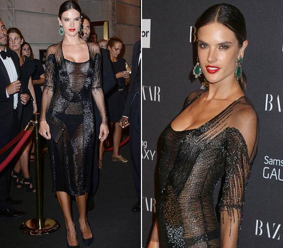 A modellAlessandra Ambrosio ruhája nem sokat bízott a fantáziára.