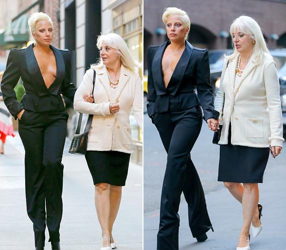 Lady Gaga anyukája igyezetett úgy tenni, mintha nem zavarná a rengeteg bámészkodó és fotós, aki rájuk leselkedett. Próbált csak a lányára összpontosítani.