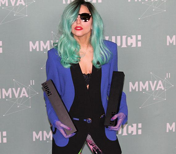 Az énekesnő a gálán a legjobb nemzetközi előadó és a legjobb nemzetközi videó díját nyerte el Judas című klipjéért.