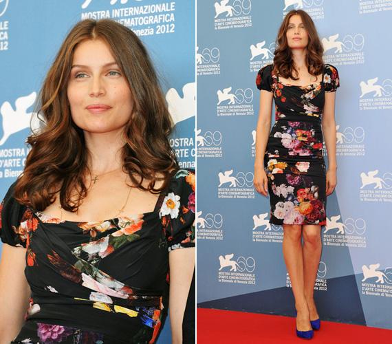 Ez a karcsú alakját kihangsúlyozó virágos darab szintén Dolce&Gabbana volt.