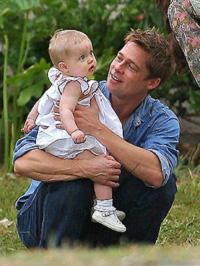 Brad Pitt kislányával