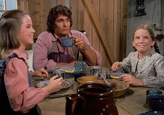 Az Ingalls család együtt vacsorázik. Melissát a szülei örökbe adták, mostohaapja korán elhunyt, így az apaképet filmbeli apjában, Michael Langdonban fedezte fel, akivel nagyon szoros kapcsolat alakult ki közöttük.