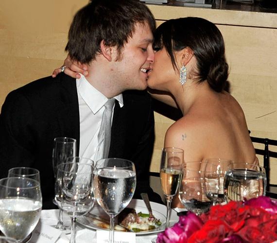 A New Yorkban megtartott Time 100 gálán a fotósok és a vendégsereg előtt estek egymásnak, akkor még dúlt köztük a szerelem.