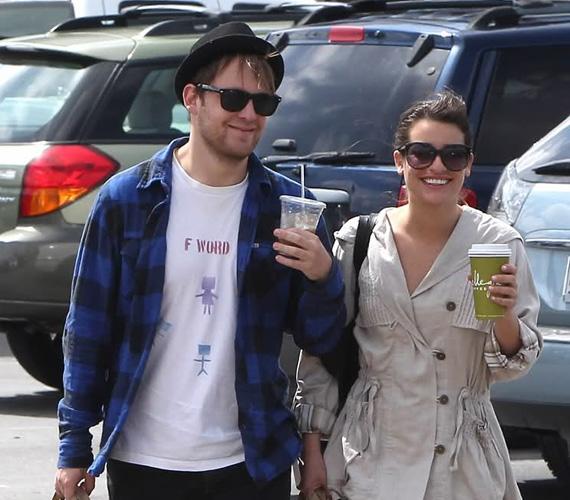 Lea nem is bánkódik, hiszen az USA-ban már javában folynak a Glee harmadik évadának felvételei, a bennfentesek szerint nem kizárt, hogy a stábból már kiszemelt magának egy új fiút.