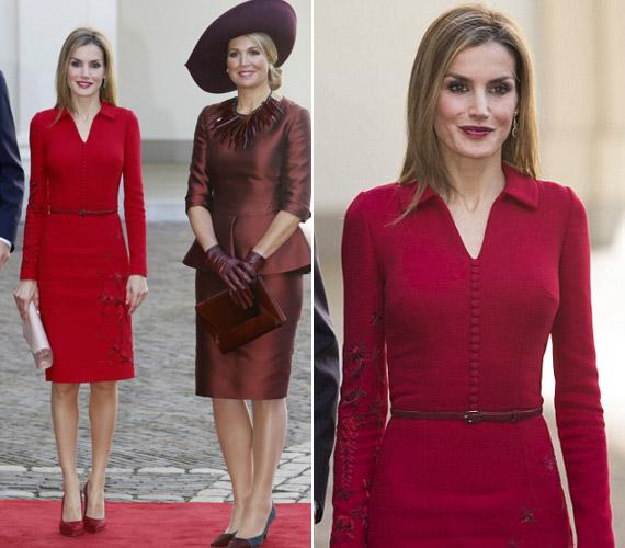 Letizia vörös ruhájában is lenyűgözően festett. A holland Maxima királyné burgundi szettet választott, és egy különleges, hegyes nyaklánccal egészítette ki.