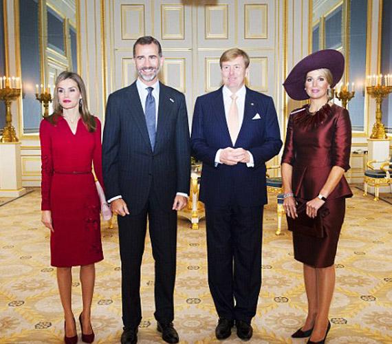 A két király nagyon jó barátai egymásnak.János Károly spanyol király egyébként azért mondott le a trónról - botrányain kívül -, mert, mint mondta, nem akarja, hogy fia is annyira öreg herceg legyen, mint a briteknél Károly.