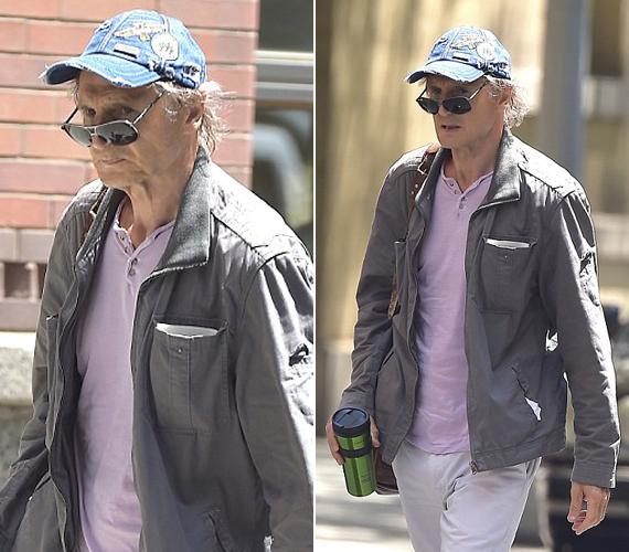 Hiába bújt túlméretezett kabátba, és takarta el az arcát napszemüveggel és sapkával, így is látni lehet, hogy borzasztóan le van fogyva.