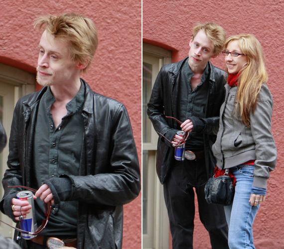 Tavaly februárban ezekkel az ijesztő fotókkal adott okott aggodalomra: lógott rajta a nadrág, de nemcsak a testén látszott, mennyire lefogyott, hanem beesett arcán is. Kócos haja és csapzott körszakálla csak felerősítette a látványt.