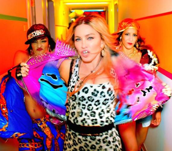 Madonna leopárdmintás ruhában, pink, szegecses dzsekiben kápráztatott el mindenkit a klipben, amiben lekapott egy fiatal táncossrácot is. A szám címe: Bitch I'm Madonna.