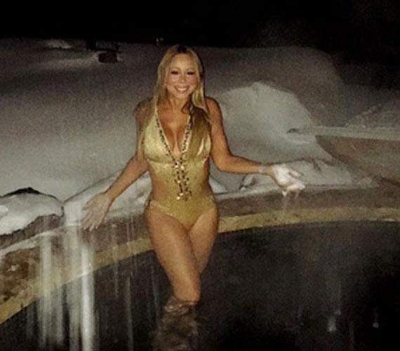 Még a több centis hó sem tántorította el Mariah Carey-t, hogy szexi bikinire vetkőzzön, ami, meg kell hagyni, nagyon jól áll nőies idomain. Ezt ő maga osztotta meg az Instagramon.