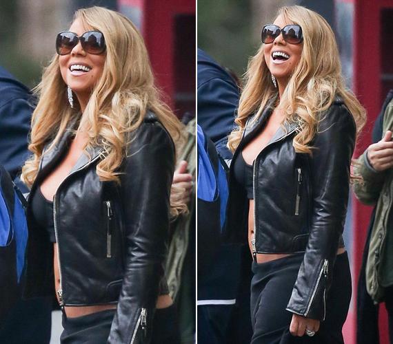 A 42 éves Mariah Carey egy szál melltartóban villantotta meg hasát. Ő azonban nem jött zavarba a lenge ruhadarabtól, láthatóan jól érezte magát a fotósok kereszttüzében.