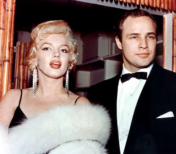 Számos hírességgel folytatott viszonyt, többek között John F. Kennedy amerikai elnökkel és a szívtipró Marlon Brandóval is.