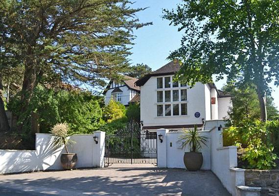 A ház az Oscar-díjas George Sanders tulajdona volt, de élt itt Marilyn Monroe-val is.