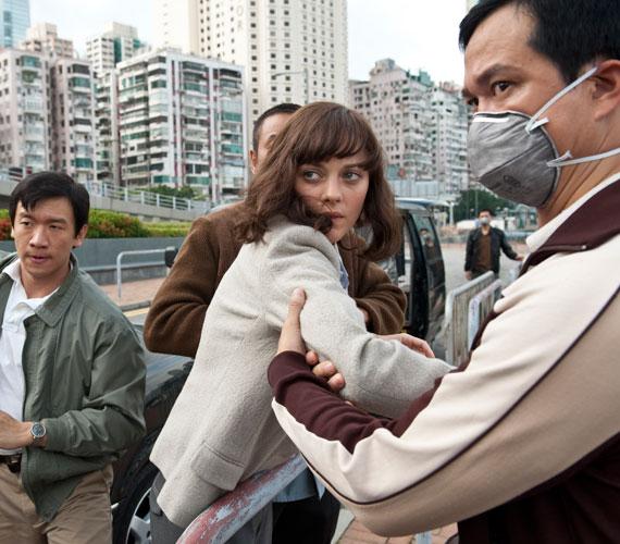 A Fertőzés című thriller után jövőre a The Dark Knight Rises című filmben láthatjuk majd, amiben ő formálja meg Miranda Tate-et.