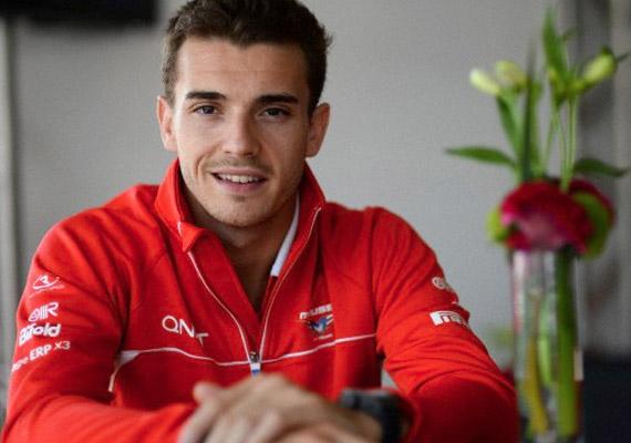 Eszméletlen állapotban vitték kórházba október 5-én a francia Jules Bianchit, aki súlyos balesetet szenvedett a Forma-1-es világbajnokság Japán Nagydíján.