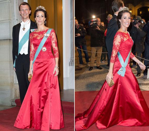A francia származású Marie hercegné csipkével díszített ruhában jelent meg.