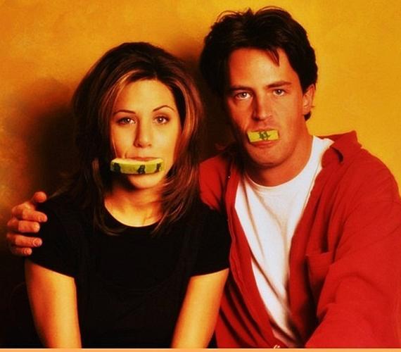 A sorozat forgatása során Jennifer Anistonnal mély barátság alakult ki közöttük, mely a mai napig tart.