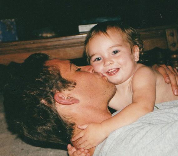 Paul Walker nagyon szerette egyetlen lányát, ami fordítva is igaz a mai napig. Meadow nem sokszor oszt meg képeket a közösségi oldalain, de ha igen, szinte biztos, hogy korán elhunyt édesapja is szerepel azokon.
