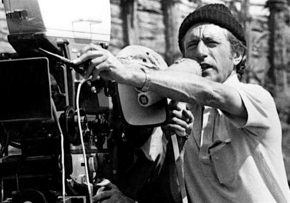 A King Kong című filmben használtak először stop motion technikát, amely során képkockáról képkockára készítenek fotókat egy jelenetről, és abból készül el a végső vágásnál a videó. Azóta négy feldolgozás is készült a műből.