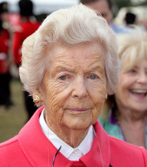 Deborah Cavendish, Devonshire hercegnője2014. szeptember 24-én, 94 éves korában elhunyt Deborah Cavendish, Devonshire hercegnője, halálhírét fia jelentette be.Deborah volt az utolsó a híres Mitford nővérek közül. A Mitford-lányok - Nancy, Pamela, Diana, Unity, Jessica és Deborah - jó modorukról voltak híresek, valamint a 20. század kétes hírű politikai személyiségeihez fűződő, gyakran fanatikus viszonyaikról.Kapcsolódó cikk:Családja körében elhunyt a hercegnő - Ilyen volt az élete »