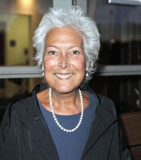 Lynda BellinghamFérje karjaiban hunyt el 2014. október 20-án Lynda Bellingham, az Ahány férfi sorozat sztárja. A 66 éves színésznő rákban szenvedett, 14 hónapos küzdelem után azonban leállíttatta a kezeléseket, mint mondta, szeretne tisztességben meghalni.Kapcsolódó cikk:Férje karjaiban hunyt el a műsorvezető! Órákkal halála előtt még fellépett a tévében »