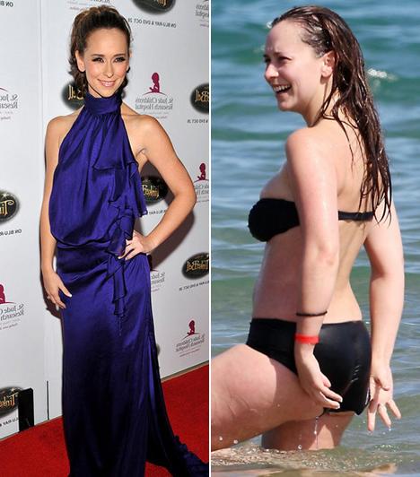 Jennifer Love Hewitt  A népszerű sorozatsztár sokakat meglepett néhány éve, amikor karcsú idomai helyett vastag combját és méretes fenekét villantotta strandolás közben. A képek megjelenése után a sztár kiborult az őt ért kritikák miatt.  Kapcsolódó címke: Jennifer Love Hewitt »