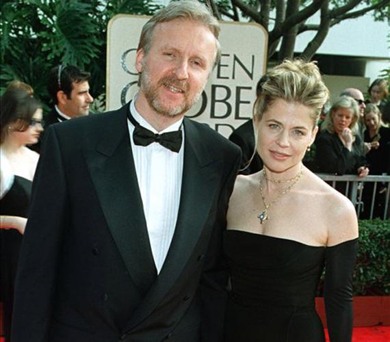 A híres rendező, James Cameron és a színésznő Linda Hamilton alig két évig voltak házasok. Miután megszületett a lányuk, a házasság tönkrement. Hamilton 50 millió dollárt kapott.