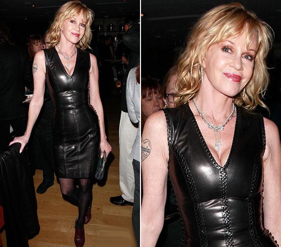 Korábban is viselte már ugyanezt a ruhát: idén áprilisban is ez volt rajta egy hollywoodi rendezvényen.