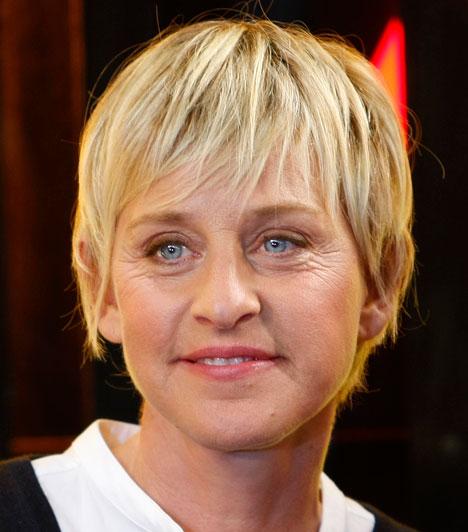 Ellen DeGeneres  Az amerikai műsorvezetőnő 1997-ben Oprah Winfrey beszélgetős műsorában vallotta be, hogy leszbikus. Azóta nyíltan felvállalja másságát, többek között Anne Heche és Alexandra Hedison barátnője volt, 2004 óta pedig Portia de Rossival él párkapcsolatban.  Kapcsolódó cikk: Lady GaGa szájon csókolta a műsorvezetőnőt »