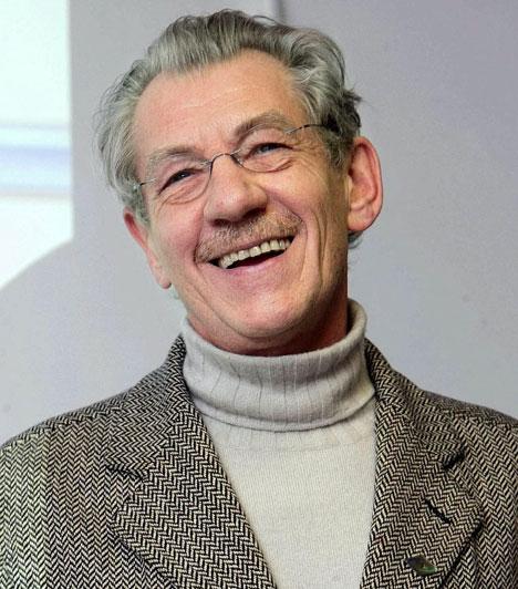 Ian McKellen  Habár a Gyűrűk Ura-trilógia Gandalfját alakító angol színészről kollégái már karrierje elején tudták, hogy meleg, a nagy nyilvánosság előtt csak 1988-ban, a BBC Radio 3-nak adott interjújában vállalta fel másságát.